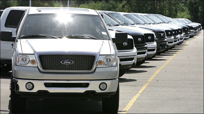 Ford F-150 expanded recall A line-up of 2006 Ford F-150 pickup trucks are shown on a dealership lot in Sterling Heights, Mich., in this August, 2006, file photo.
