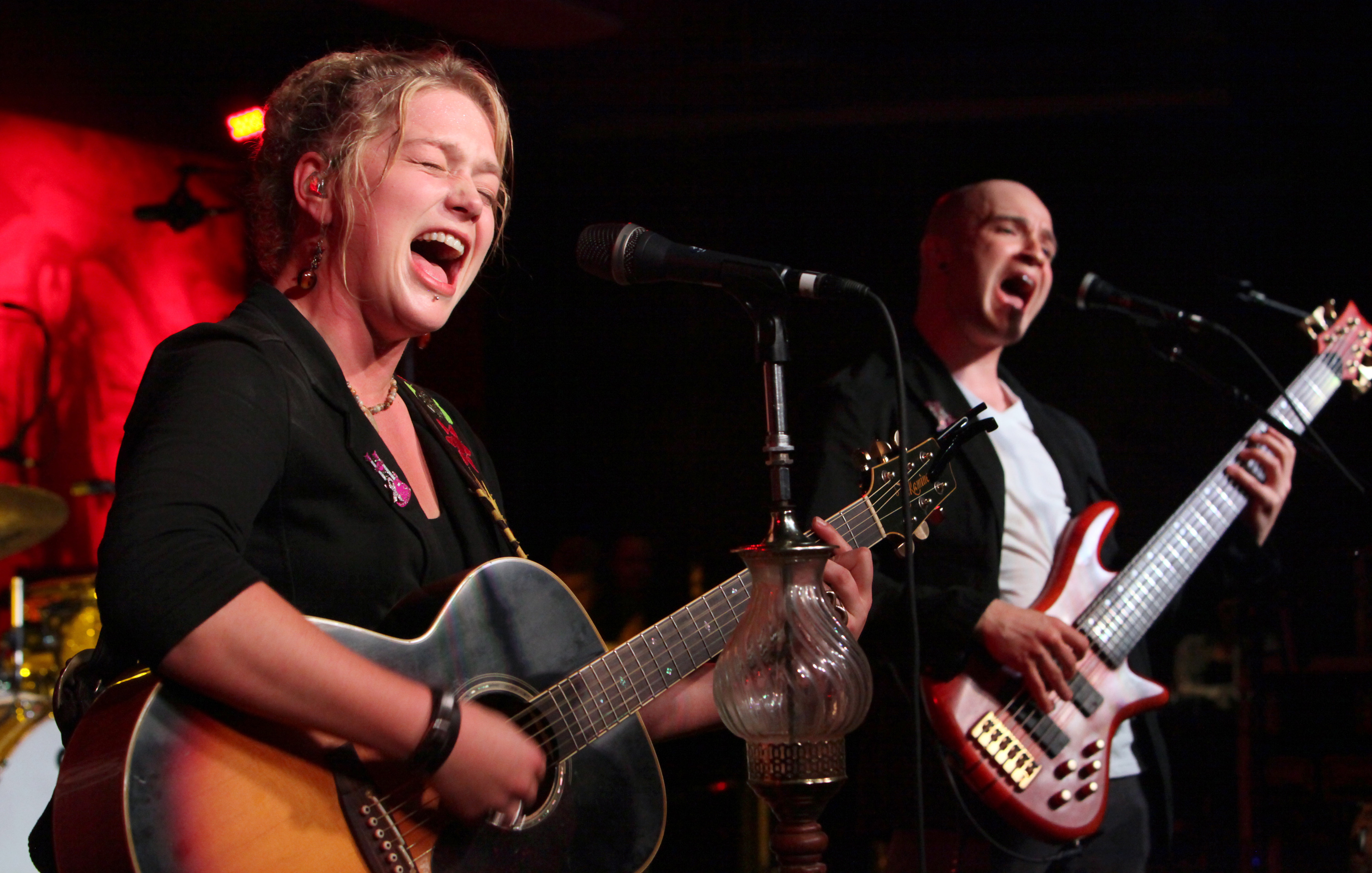 Bowersox To Perform Benefit Concert At The Valentine The