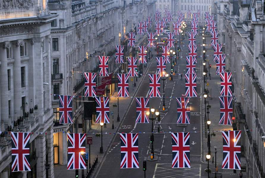 Royal-Wedding-Flags-Regent-Street