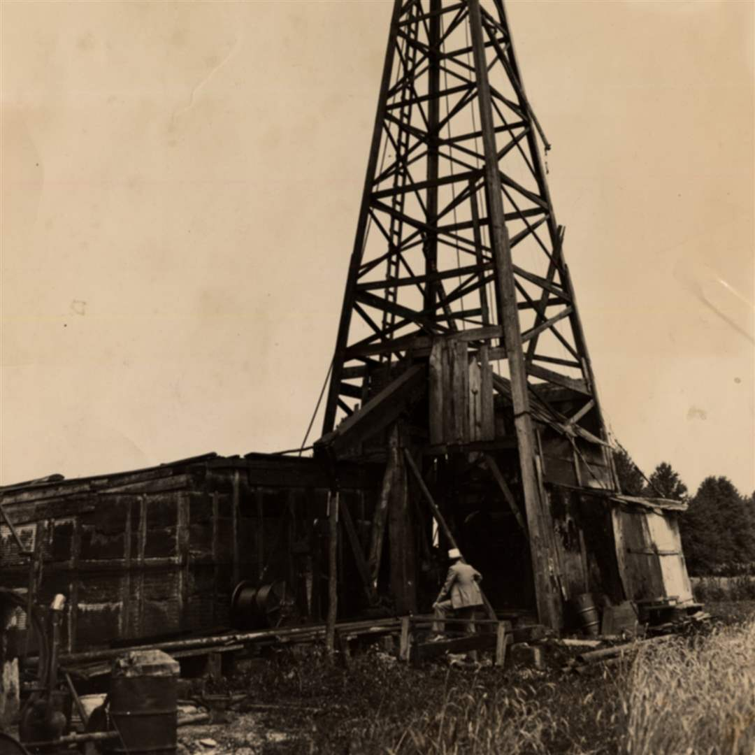 Oil-well-Kyle-farm-1937