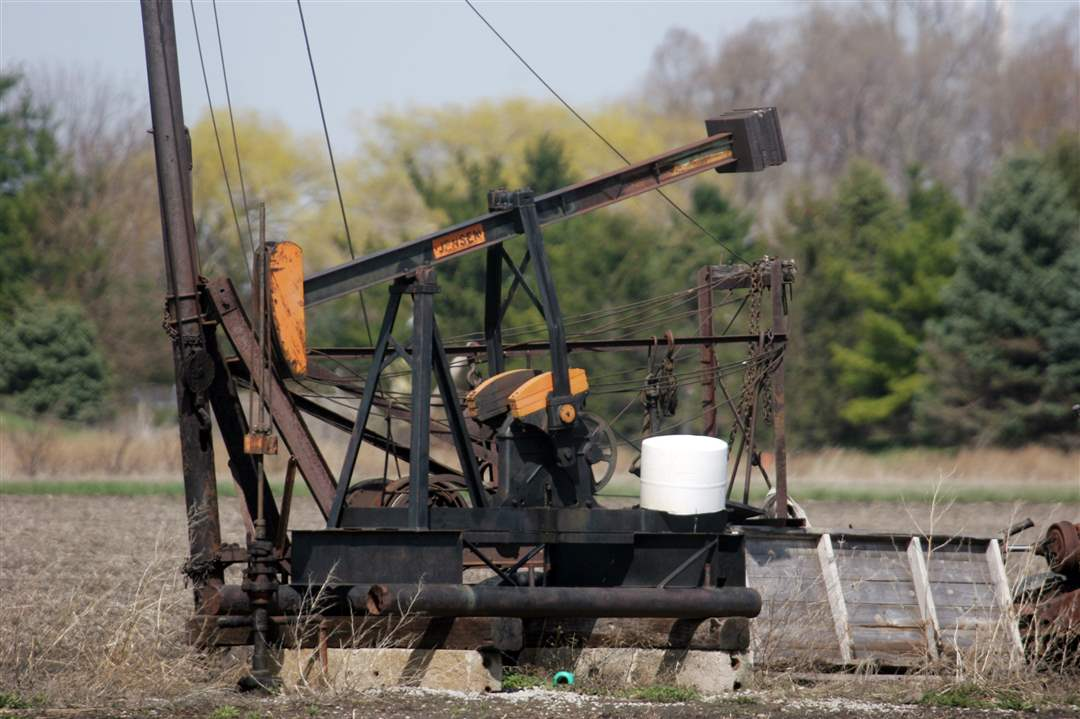 Oil-well-Ivan-Woodbury-Bowling-Green