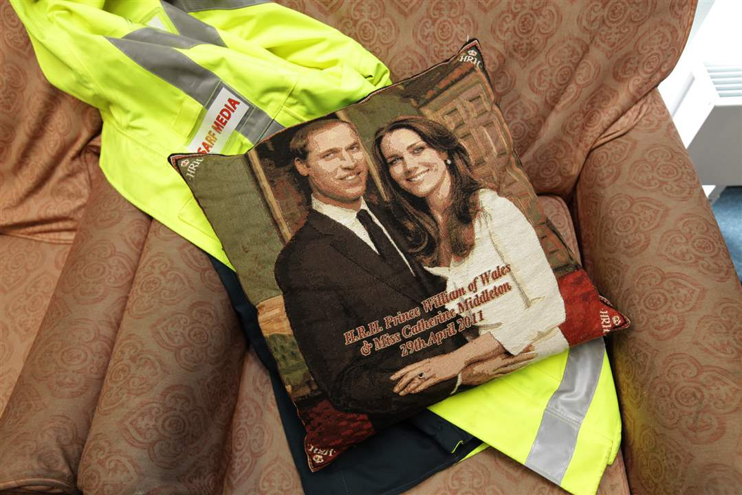 Royal-Wedding-Memorabilia-Pillow
