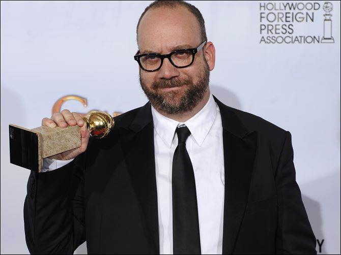 Paul Giamatti Golden Globe Best Actor Comedy Paul Giamatti holds the award he won for best performance in a comedy or musical for his role in