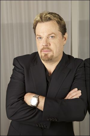 Eddie Izzard portrays Dr. Hattaras in 'The United States of Tara.'