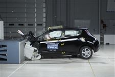 Volt-Leaf-collect-top-safety-marks-in-crash-tests