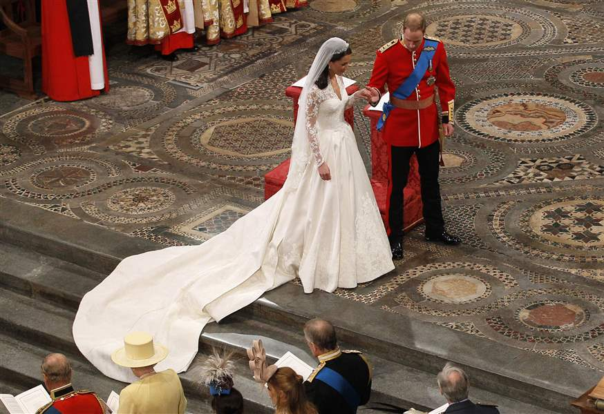 Kate-Middleton-Prince-William-marry-westminster-abbey-sarah-burton-alexander-mcqueen