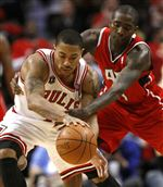 Rose-Bulls-even-series-with-Hawks