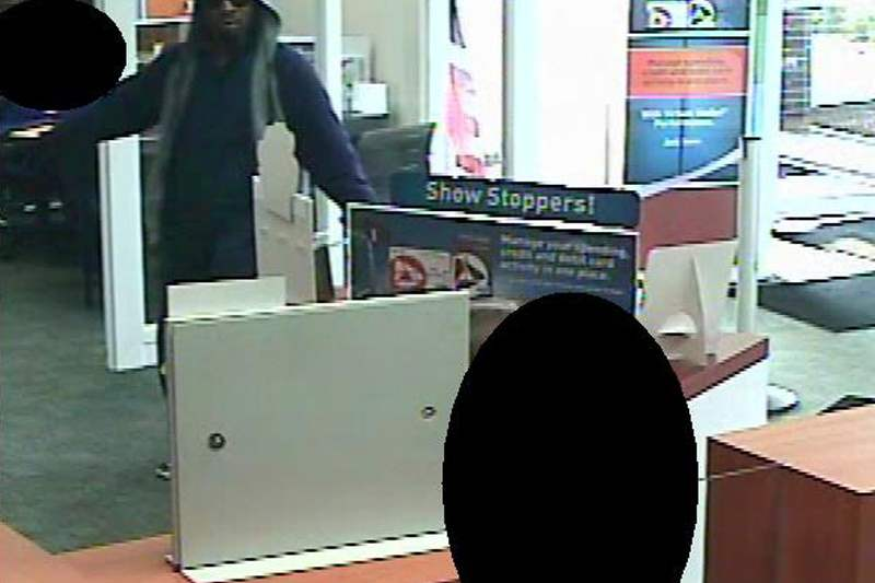 PNC-Bank-robbery-051211-G