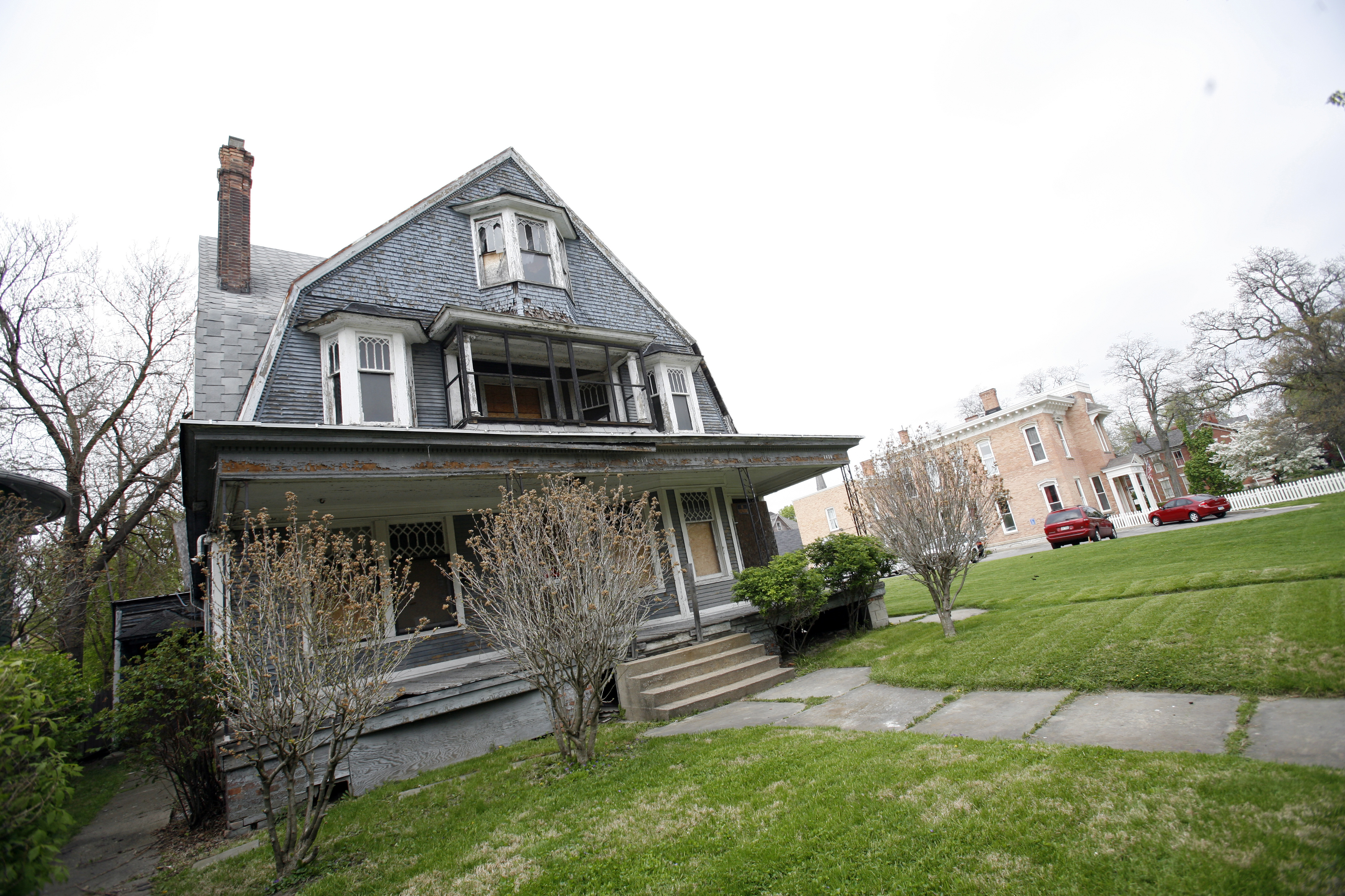 Aurora house 39 s master plan hits snag over fate of property for House aurora