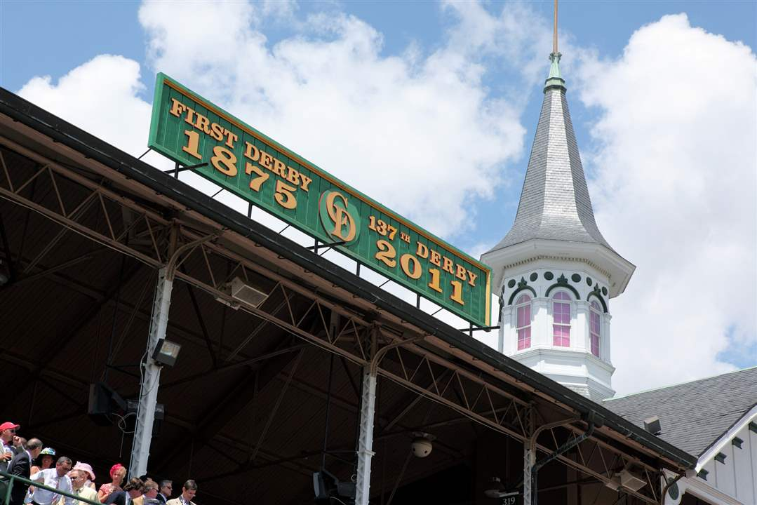 Derby-Churchill-Downs-hats-spires