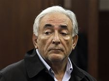 Dominique-Strauss-Kahn-arraignment