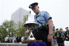 respects-are-paid-at-toledo-police-memorial-garden-2