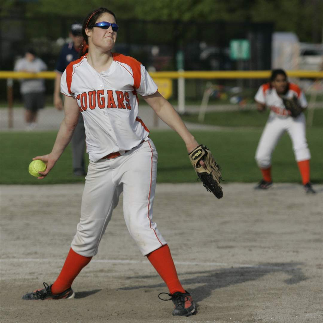 Southview-Central-Catholic-district-softball-final-2