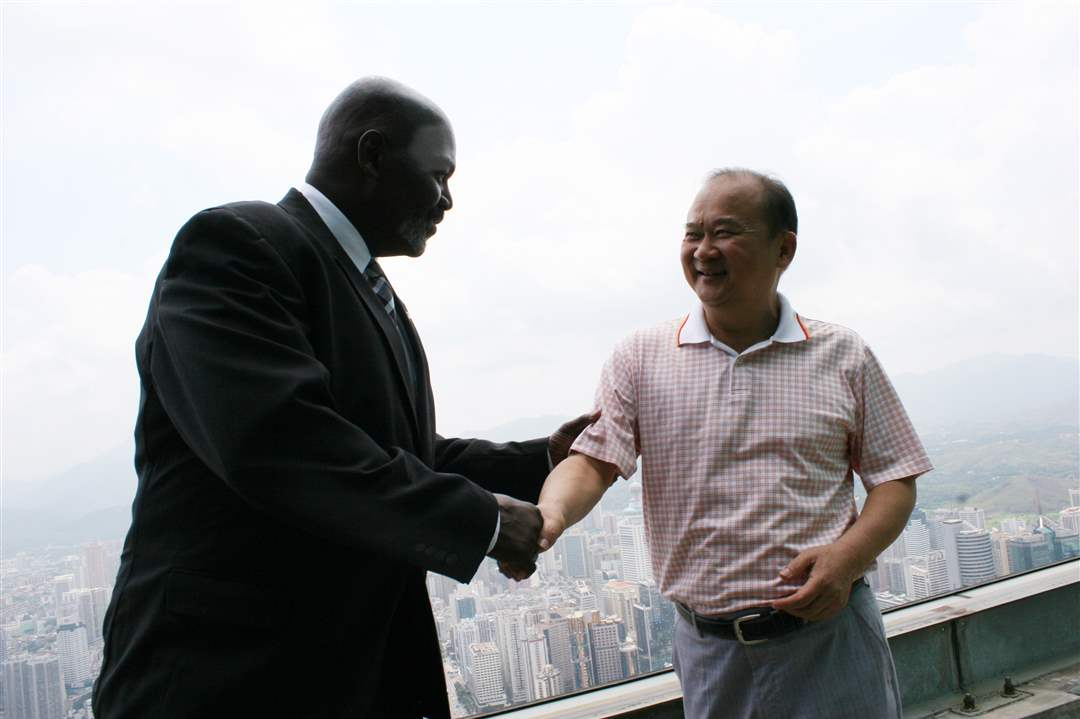 Mayor-Bell-in-China-1