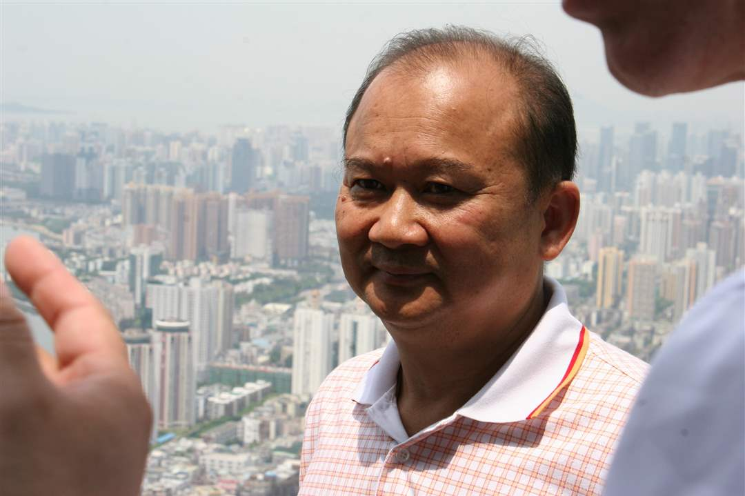Mayor-Bell-in-China-8