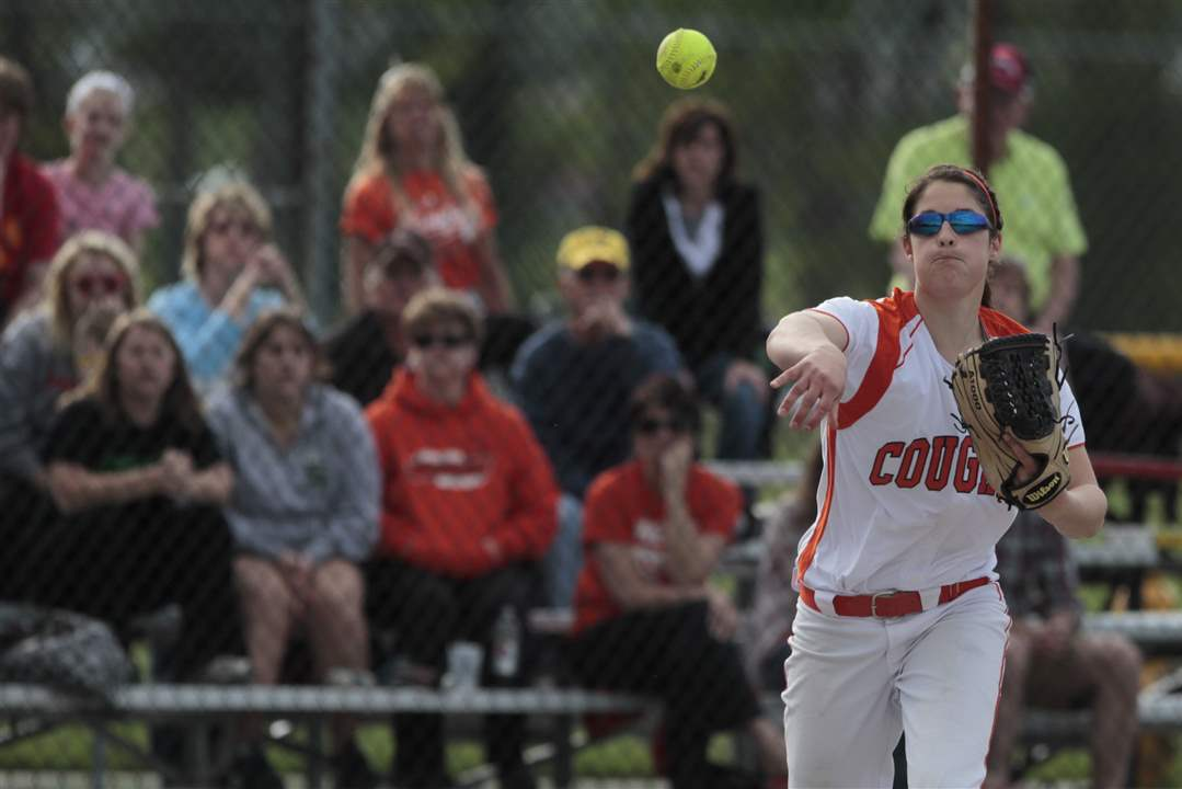 Southview-Central-Catholic-district-softball-final-4
