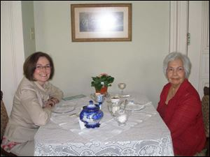 Hope and Colleen Fogle attend the Spring Victorian Tea at Casey Pomeroy House to support Ovarian Cancer Connection.