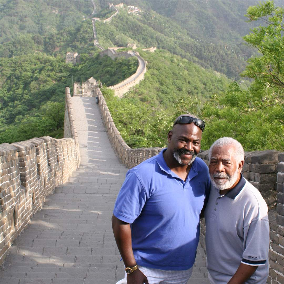 Toledo-delegation-visits-Beijing-Great-Wall-2