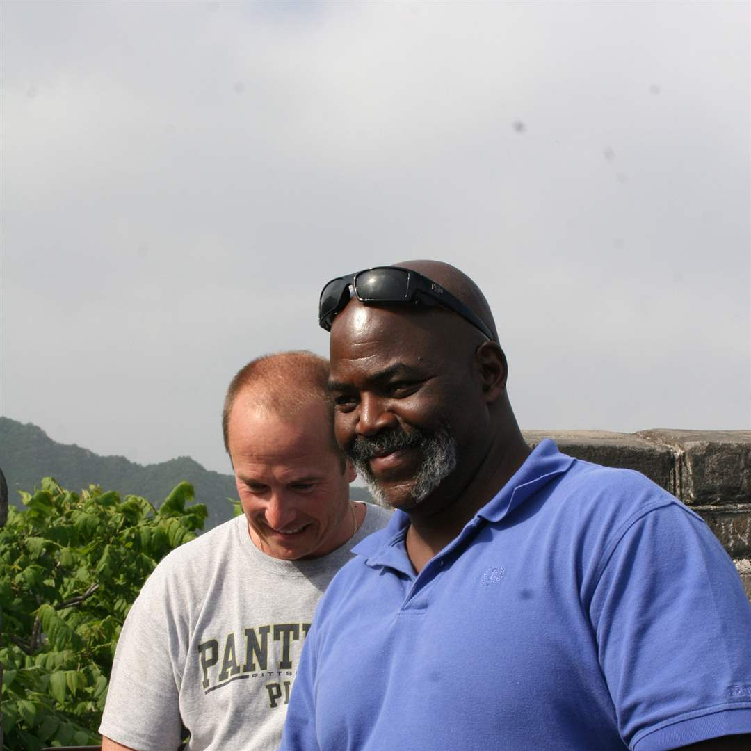 Toledo-delegation-visits-Beijing-Great-Wall-6