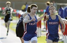 Brothers-find-no-need-for-rivalry-in-3200-relay