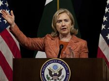 Hillary-Rodham-Clinton-news-conference-Pakistan