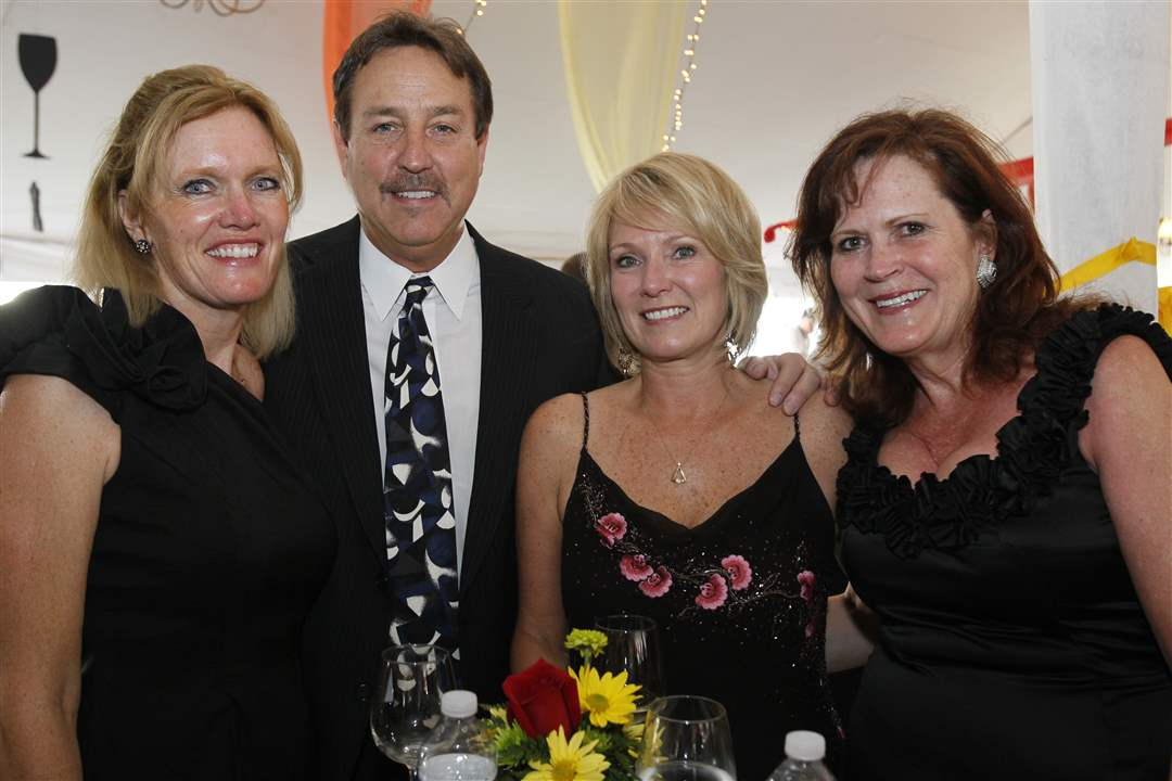 Taste-of-Nation-2011-Diane-Sturt-Dan-Bollin-Becky-Bollin-Libbey-McKnight