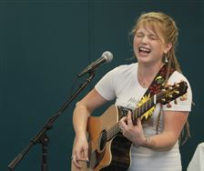 bowersox reveals her soul as she sings her heart out the blade. Black Bedroom Furniture Sets. Home Design Ideas