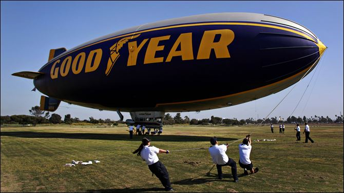 GOODYEAR-BLIMPS-Spirit of America Crew members tug the 'Spirit of America,' one of the ships to be replaced, to moorings in California.
