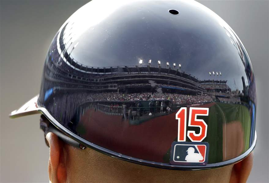 Sandy-Alomar-Jr-Progressive-Field-helmet-reflection