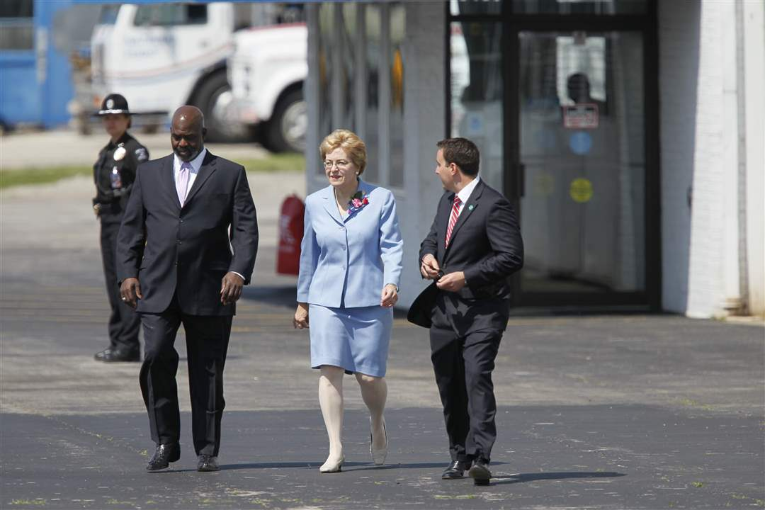 Mike-Bell-and-Marcy-Kaptur-Arriving
