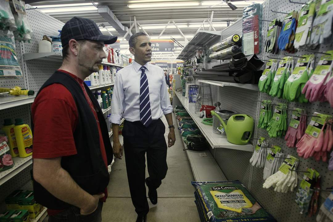 President-Obama-shops-for-gloves-at-Fred-s-Hardware
