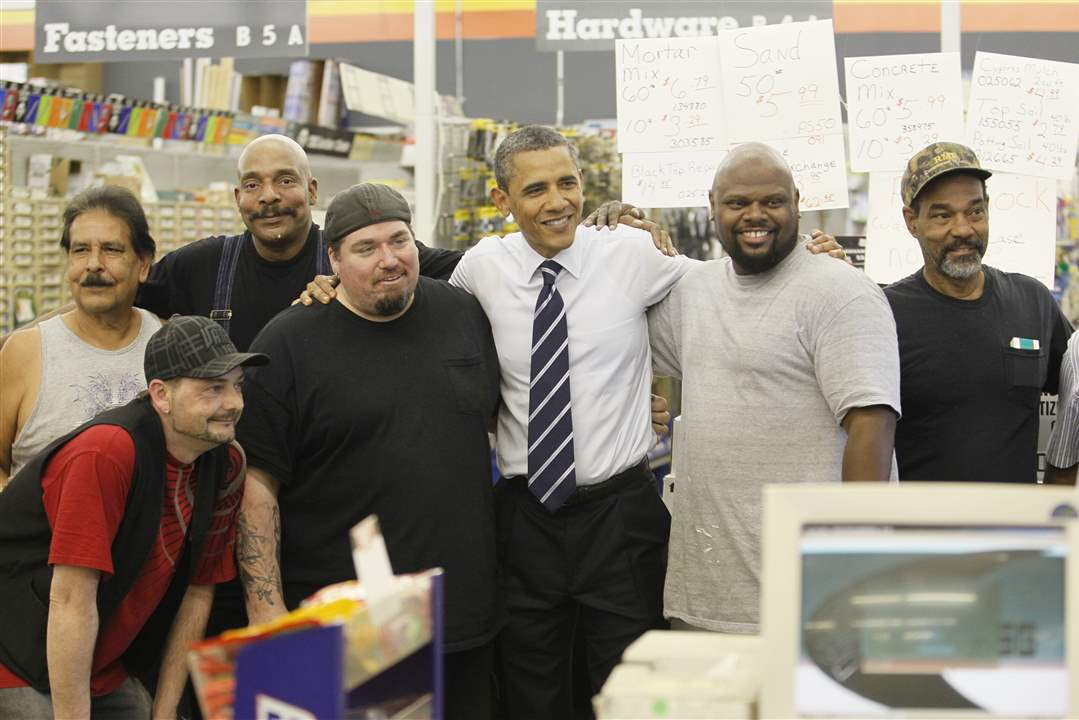 Obama-poses-with-people-at-Fred-s-Pro-Hardware