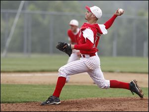 Bedford pitcher Dan Przeniczny pitches against Allen Park during a regional semifinal.