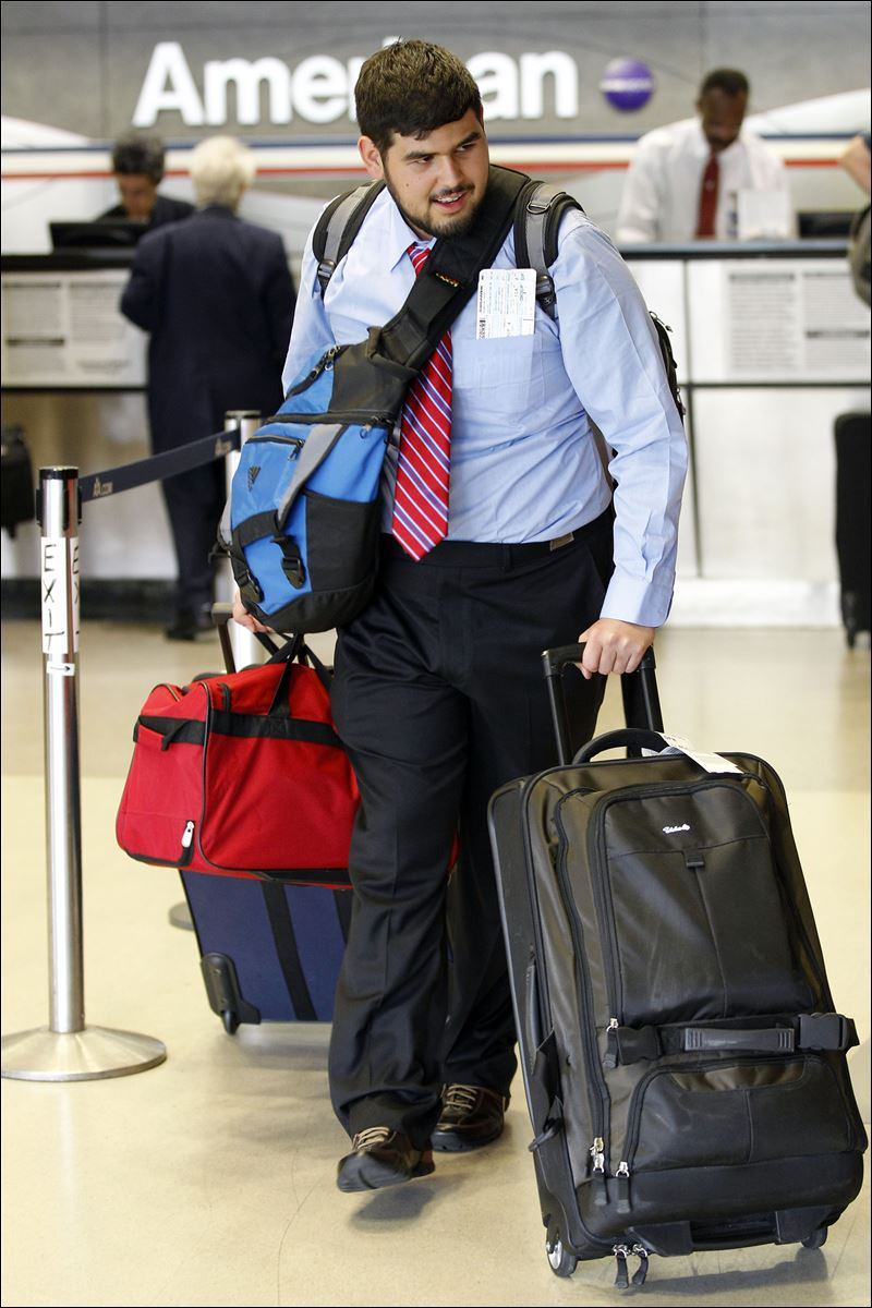Baggage fees yielded $3.4B in 2010 for airlines - Toledo Blade