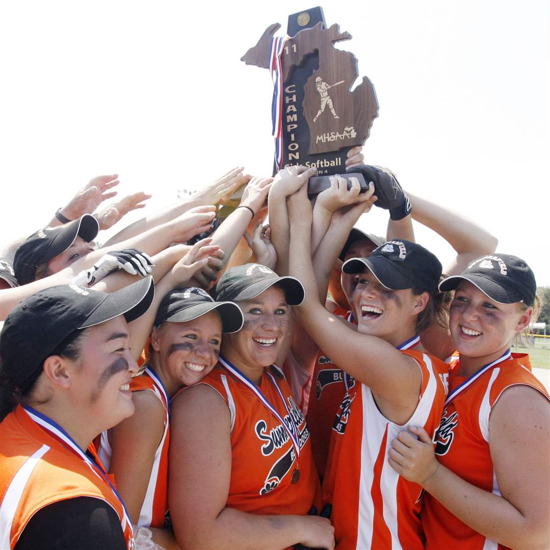 Summerfield-state-softball-champions-Michigan-9