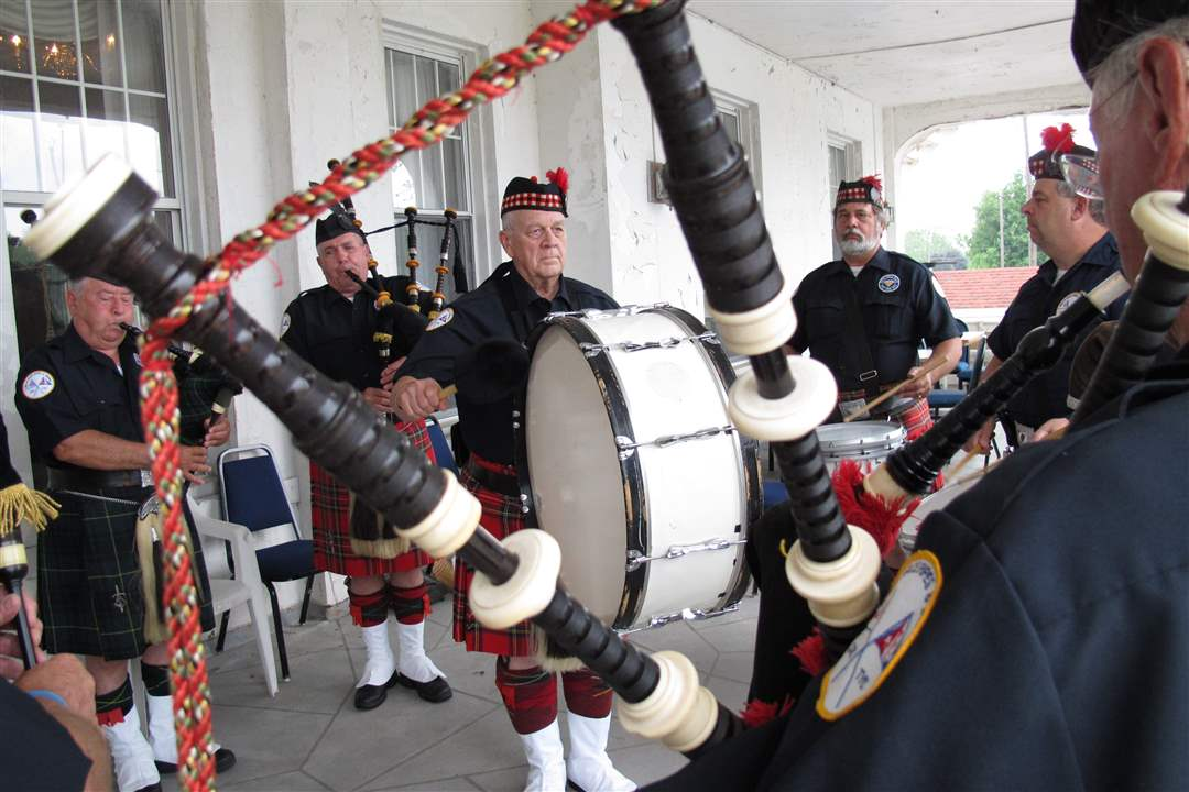 Mills-Race-Pipes-Drums