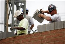 Fremont-Pike-strip-mall-masonry-workers