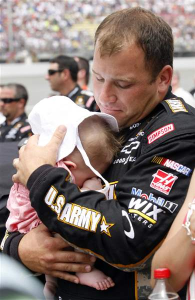 Ryan-Newman-time-with-daughter-Brooklyn-Sage-fathers-day