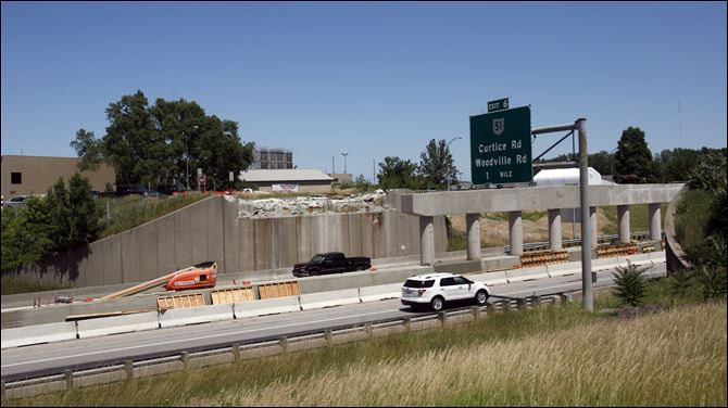 Travel plans Wheeling Street is closed for bridgework at I-280 in Oregon, but all freeway lanes will be open this weekend. Construction will affect traffic on I-475 in West Toledo and on the turnpike east of Fremont.