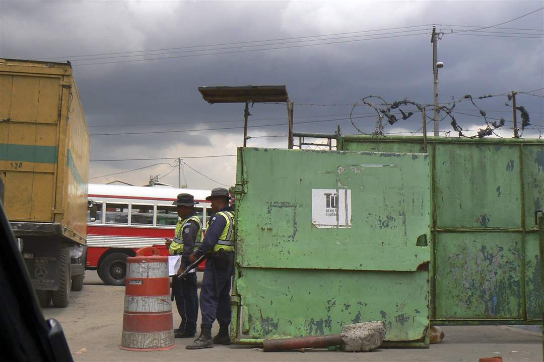Guatemala-dump-entrance