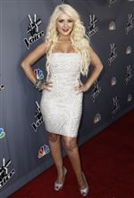 christina-aguilera-the-voice-judges-rehired-07-02-2011