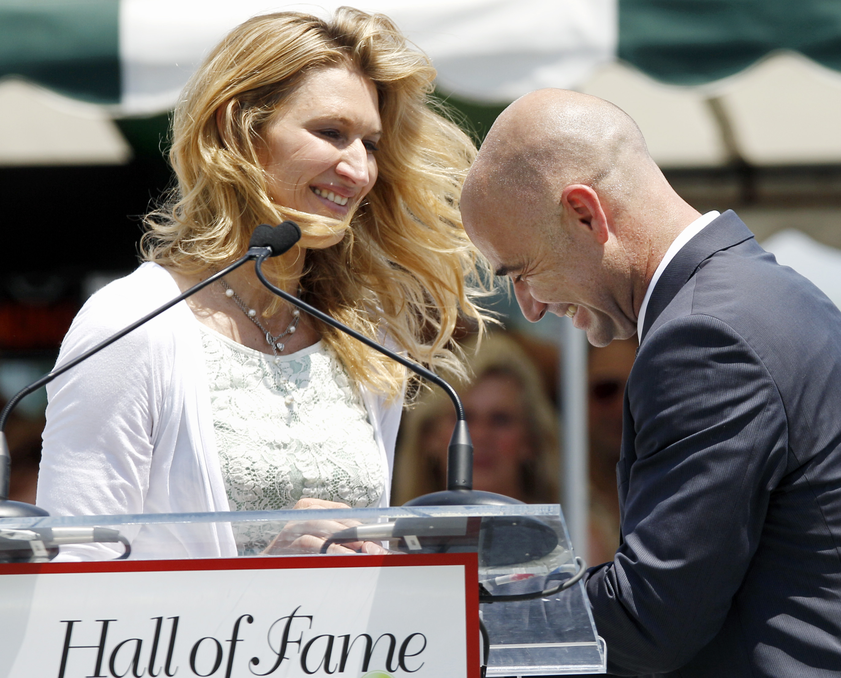 Hall of Fame inducts Agassi The Blade