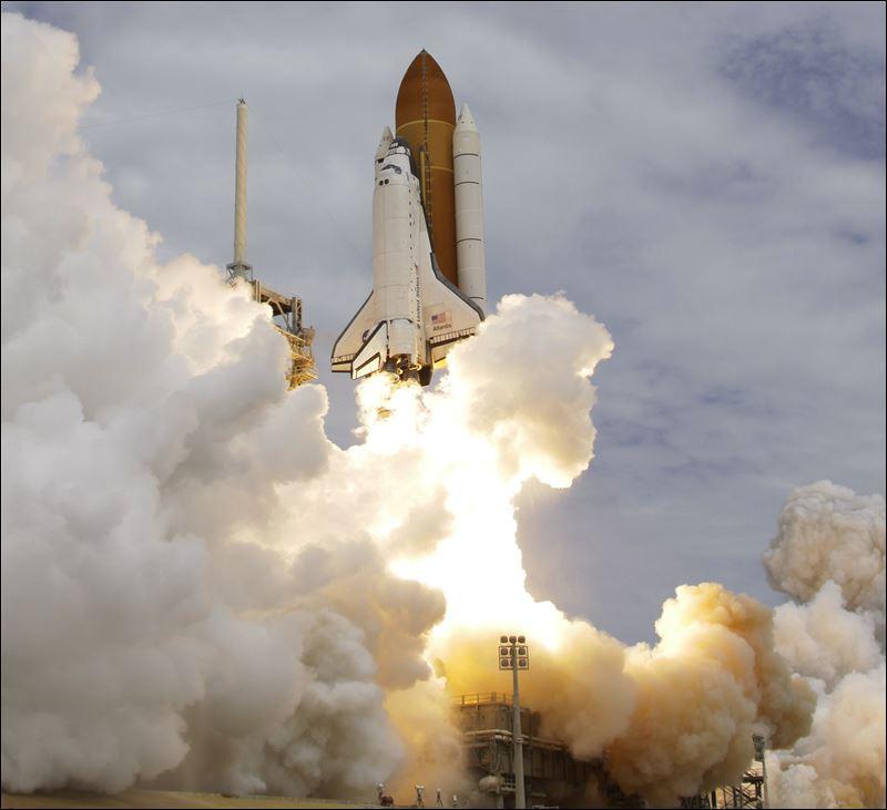 Atlantis docks at space station on last mission - Toledo Blade