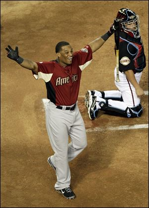 The New York Yankees' Robinson Cano hit 32 home runs, including 12 in the final round, to win the Home Run Derby.