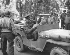 Eisenhower-Jeep-France