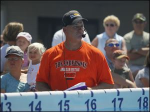 Milt Wilcox, president of Ultimate Air Dogs, is a former baseball pitcher for the Detroit Tigers.