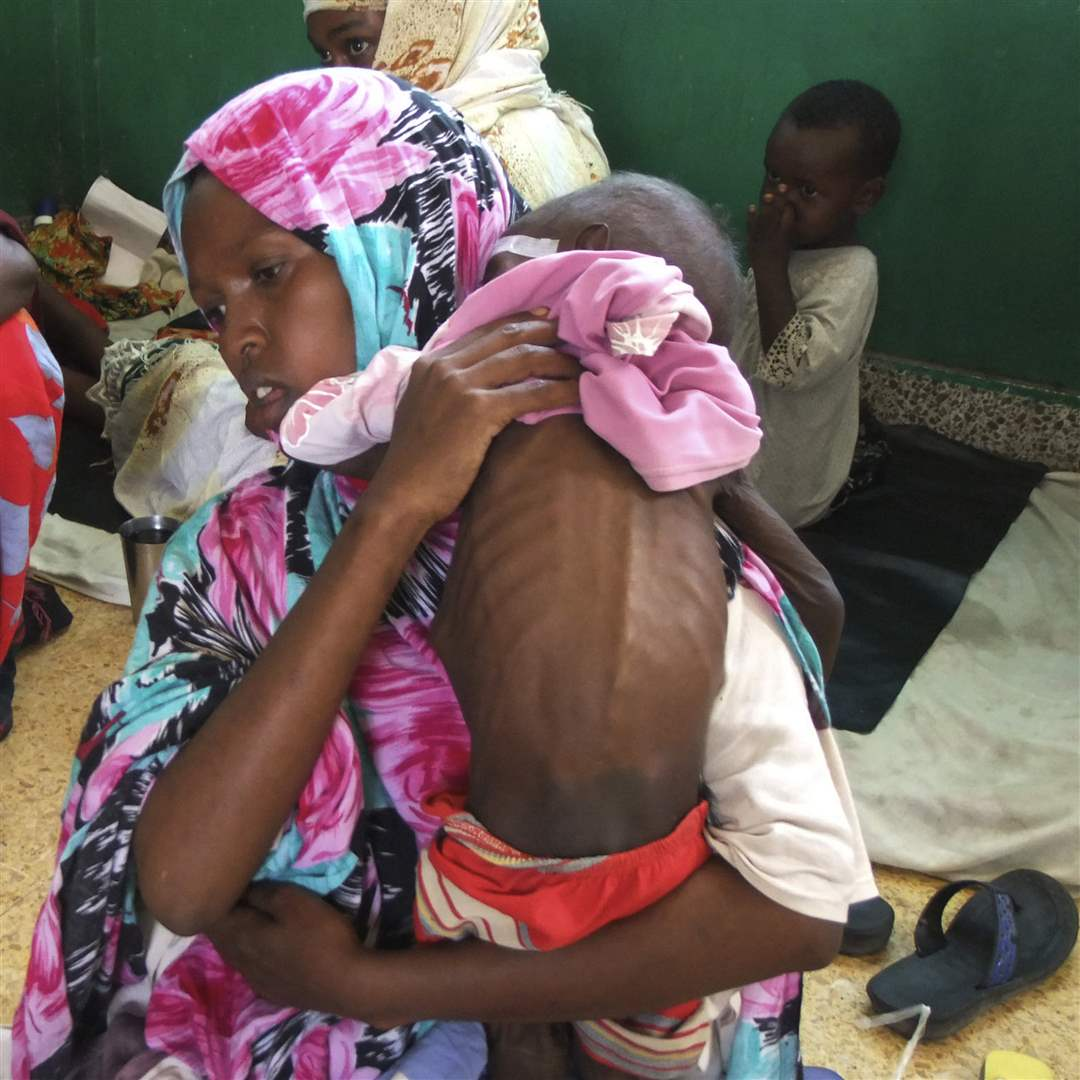 Banadir-hospital-child-back