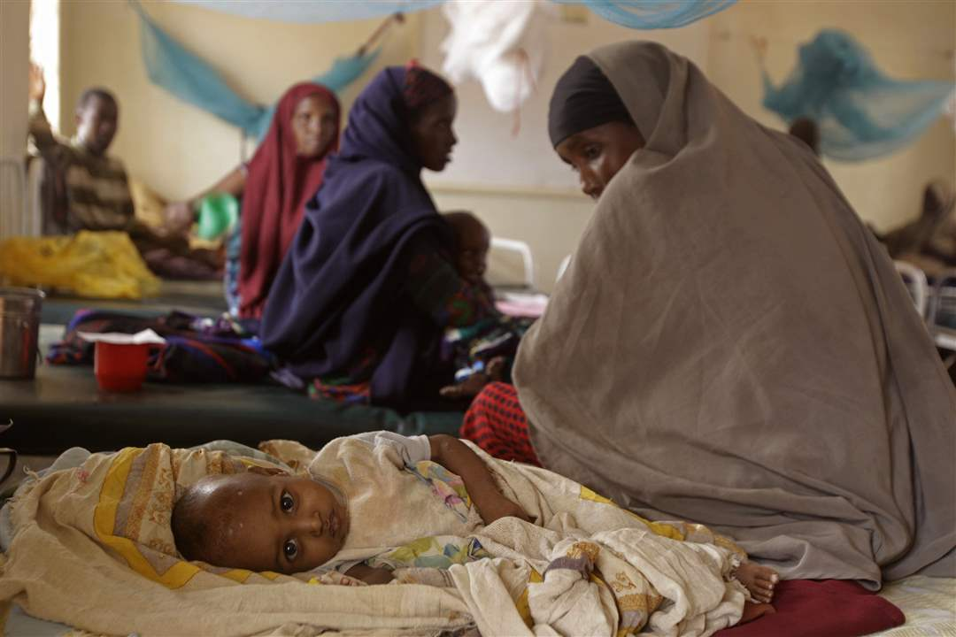 East-Africa-woman-child-Dadaab-Kenya
