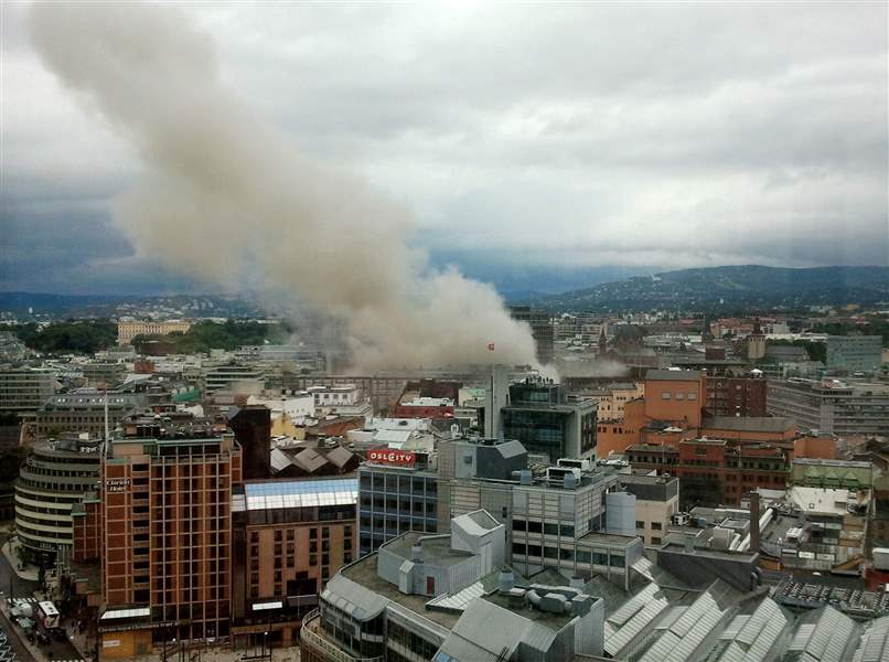 Oslo-bomb-downtown-smoke