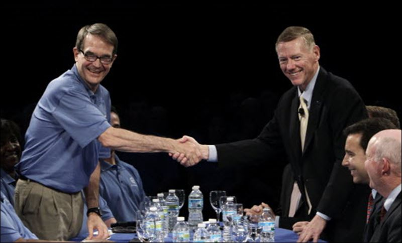 Uaw talks to seek seat on ford s board toledo blade for Ford motor company alan mulally
